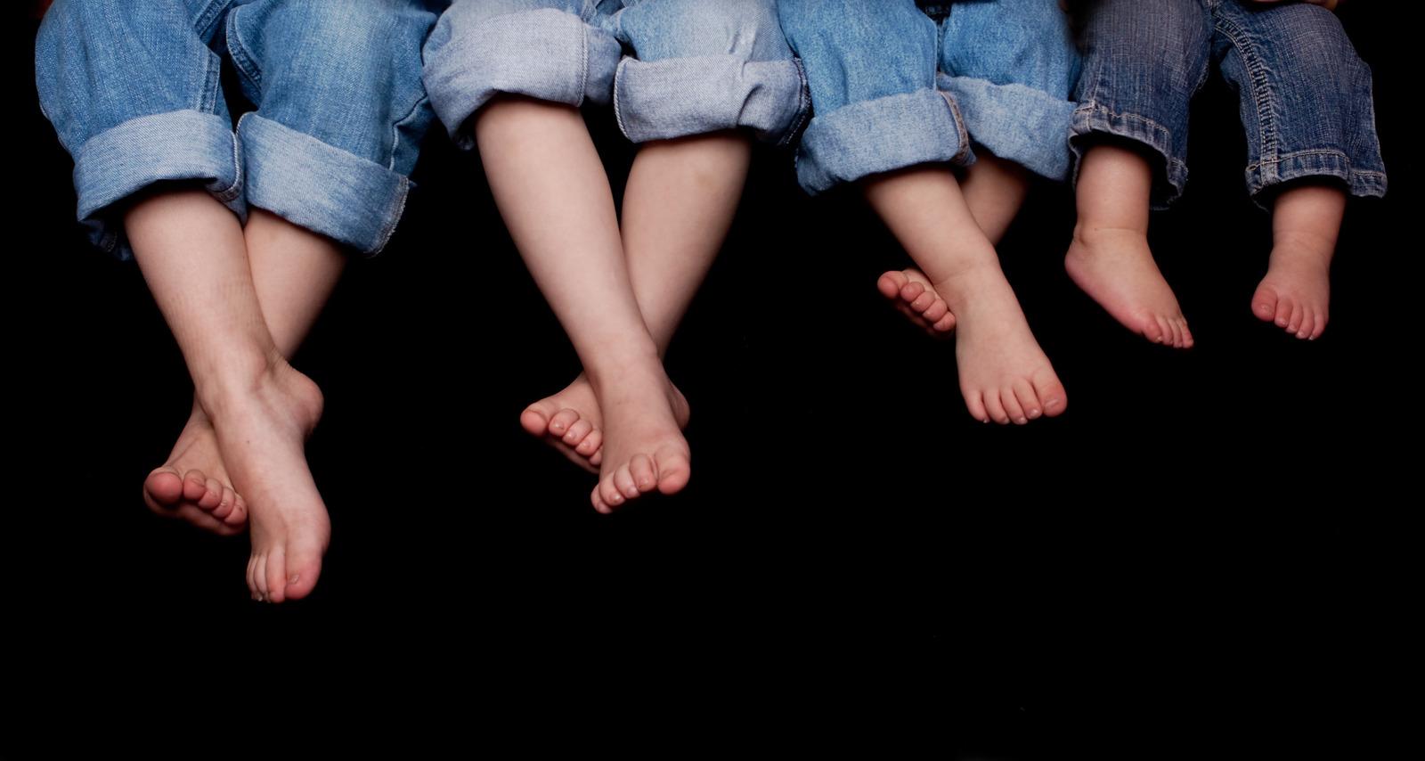 Одна из причина плоскостопия - редкая ходьба босиком