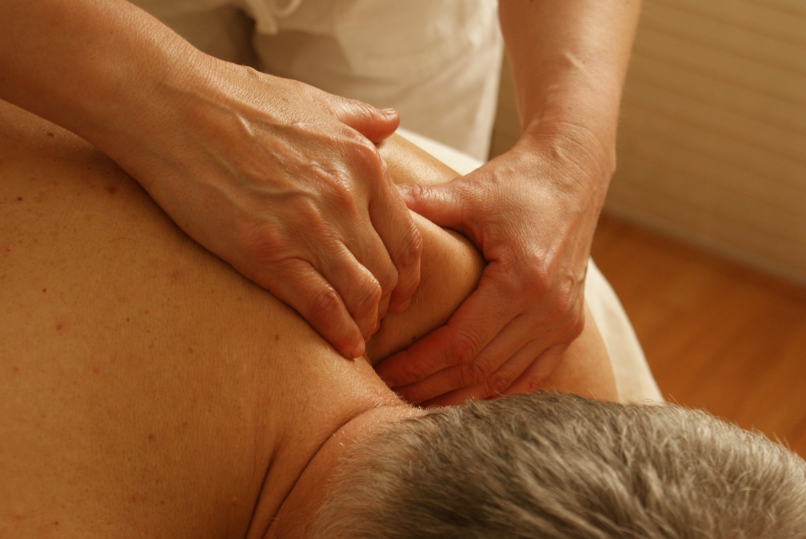 массаж спины от простатита