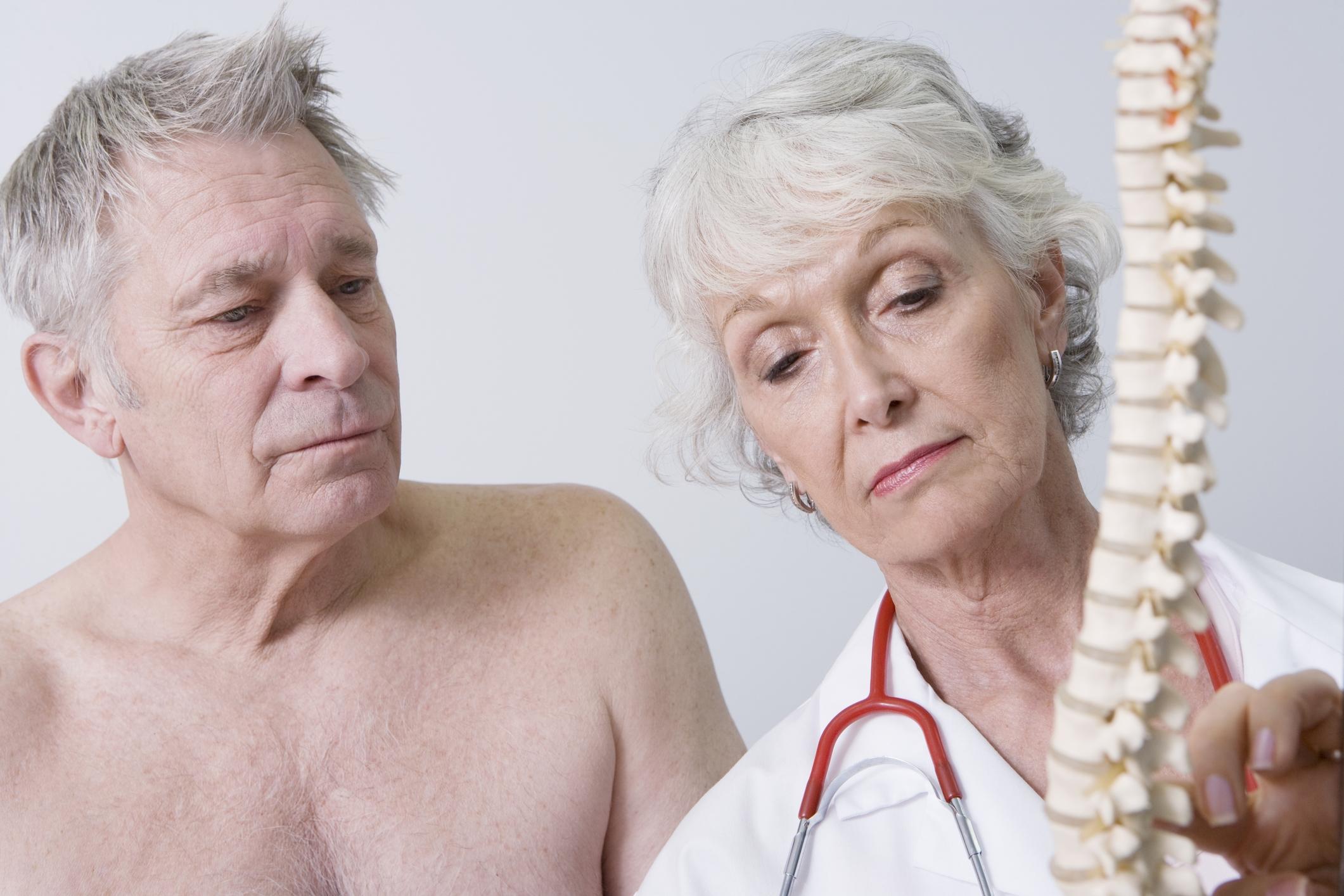 Лечебная физкультура (ЛФК) при компрессионном переломе